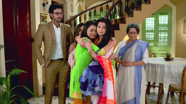 Watch Irabatir Chupkotha TV Serial Episode 248 - Teesta Is Off to College  Full Episode on Hotstar