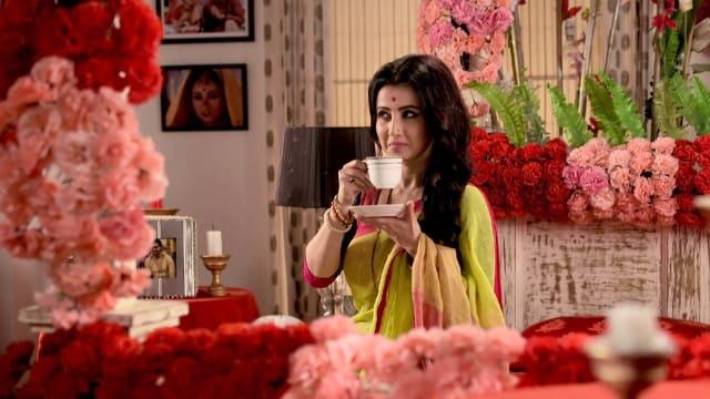 Watch Irabatir Chupkotha TV Serial Episode 228 - Akash Surprises Irabati  Full Episode on Hotstar