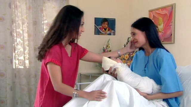 Watch Kasautii Zindagi Kay - 2001 TV Serial Episode 20 - Prerna gives birth  to a baby girl Full Episode on Hotstar