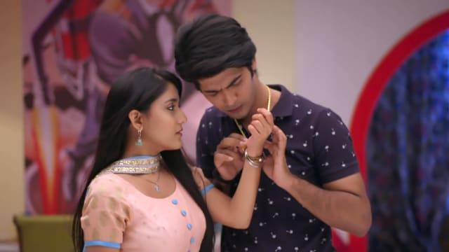 Watch Ek Thi Rani Ek Tha Raavan TV Serial Episode 61 - Rani, Raghav's  Romantic Moments Full Episode on Hotstar