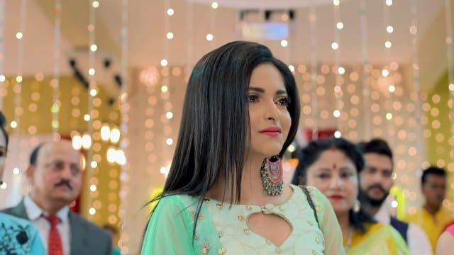 Watch Nojor TV Serial Episode 13 - Ishani Meets Debashree Full Episode on  Hotstar
