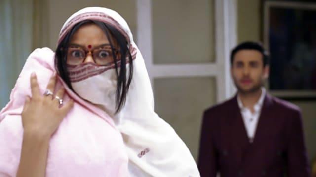 Watch Ek Thi Rani Ek Tha Raavan TV Serial Episode 158 - Rukmani Attacks  Roop Full Episode on Hotstar
