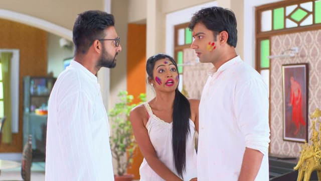 Watch Bajlo Tomar Alor Benu TV Serial Episode 218 - Rudra Slaps Som Full  Episode on Hotstar