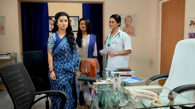 Watch Irabatir Chupkotha TV Serial Episode 274 - Irabati Visits the Doctor  Full Episode on Hotstar
