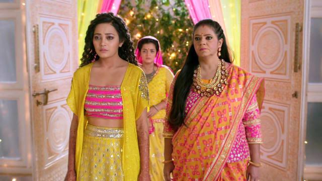 Watch Yeh Rishtey Hain Pyaar Ke TV Serial Episode 109 - Meenakshi Plays Her  Trump Card? Full Episode on Hotstar