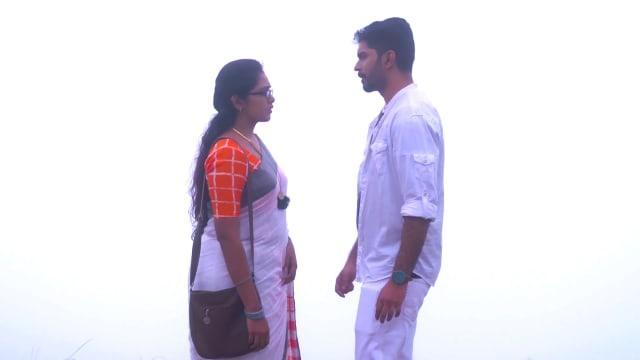 Watch Kasthooriman TV Serial Episode 459 - Jeeva, Kavya Reconcile Full  Episode on Hotstar