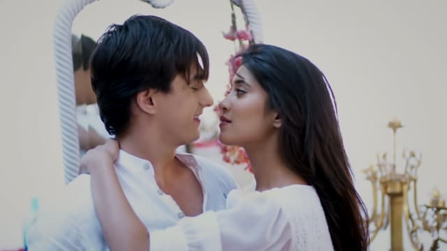 Watch Yeh Rishta Kya Kehlata Hai TV Serial Episode 161 - Kartik, Naira's  Secret Plan Full Episode on Hotstar