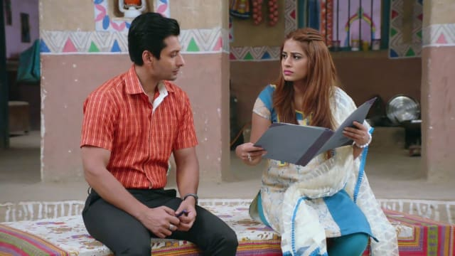 Watch Nimki Mukhiya TV Serial Episode 313 - Will Nimki Sign the Divorce  Papers? Full Episode on Hotstar
