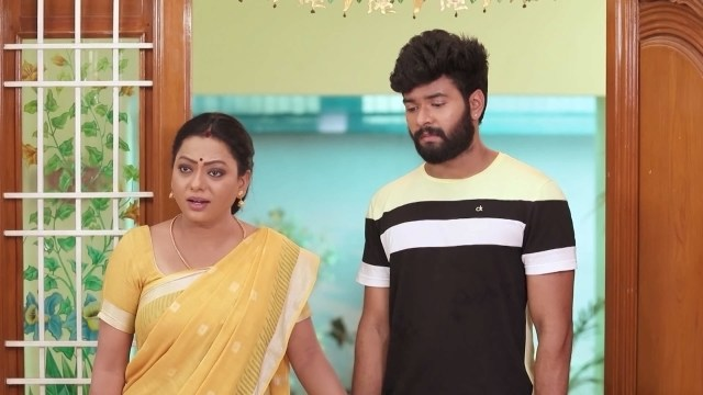 Baakiyalakshmi stands up for Ezhil - Promo - Disney+ Hotstar
