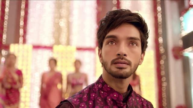 Watch Adhe Kangal Episode 56 Online On Hotstar