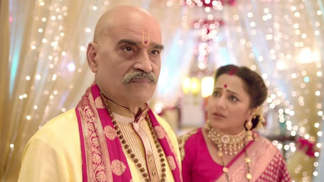 Watch Nazar TV Serial Episode 31 - Pandit's Clever Plan Full Episode on  Hotstar