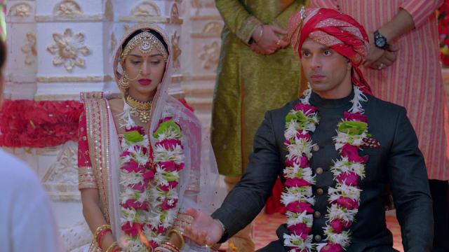 Watch Kasautii Zindagii Kay TV Serial Episode 209 - Prerna, Mr  Bajaj to  Tie the Knot Full Episode on Hotstar