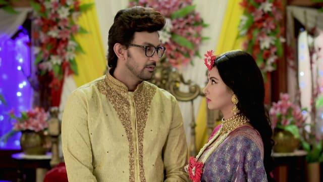 Watch Irabatir Chupkotha TV Serial Episode 181 - Akash, Irabati's First  Night Full Episode on Hotstar