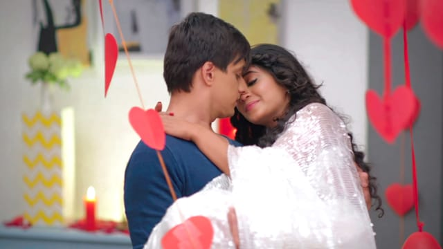 Watch Yeh Rishta Kya Kehlata Hai TV Serial Episode 306 - KaiRa Get Romantic  Full Episode on Hotstar