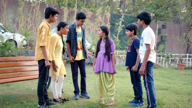 Watch Kulfi Kumar Bajewala TV Serial Episode 302 - Kulfi Reunites with Her  Gang Full Episode on Hotstar