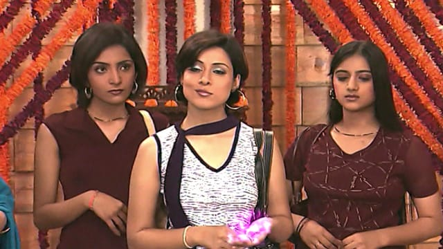 Watch Shararat - Thoda Jaadu, Thodi Nazaakat Full Episode 19 Online in HD on Hotstar CA