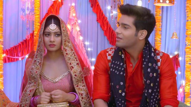 Watch Yeh Hai Mohabbatein TV Serial Episode 197 - Rohan, Aliya's Roka  Ceremony Full Episode on Hotstar
