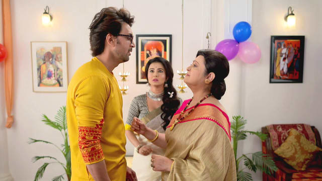 Watch Irabatir Chupkotha TV Serial Episode 154 - Debjani Meets Akash Full  Episode on Hotstar
