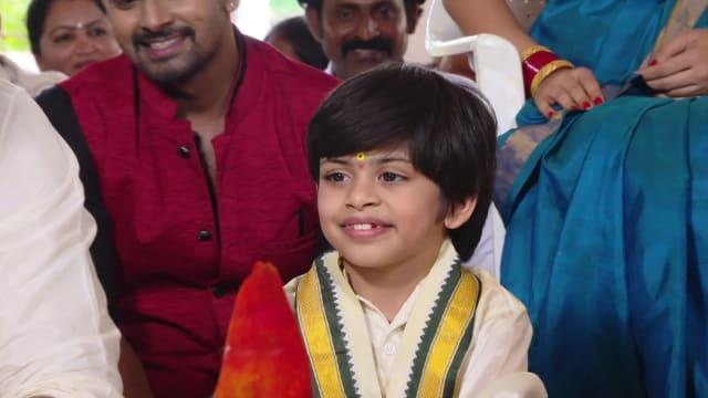 Watch Agni Sakshi TV Serial Episode 509 - Shanker, Gowri Adopt Shanmukha  Full Episode on Hotstar