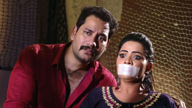 Watch Karthika Deepam TV Serial Episode 435 - Durga Kidnaps Mounitha Full  Episode on Hotstar