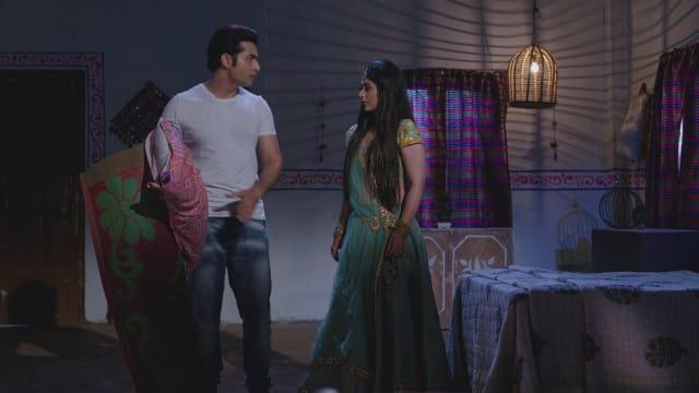 Watch Musakaan TV Serial Episode 124 - Muskaan, Ronak Find Shelter Full  Episode on Hotstar