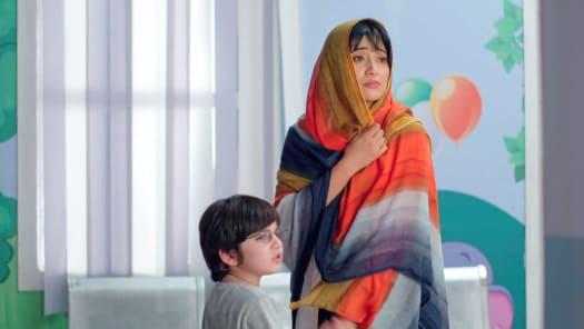 Watch Yeh Rishta Kya Kehlata Hai TV Serial Episode 30 - Gayatri to