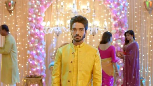 Adhe Kangal Serial Full Episodes, Watch Adhe Kangal TV Show Latest