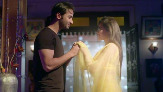 Watch Yeh Rishtey Hain Pyaar Ke TV Serial Episode 48 - Kuhu Is