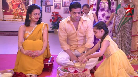 Watch Yeh Hai Mohabbatein Season 29 Full Episodes On Hotstar Raman says send this to a number. watch yeh hai mohabbatein season 29