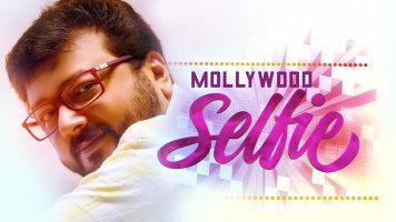 Mollywood Selfie